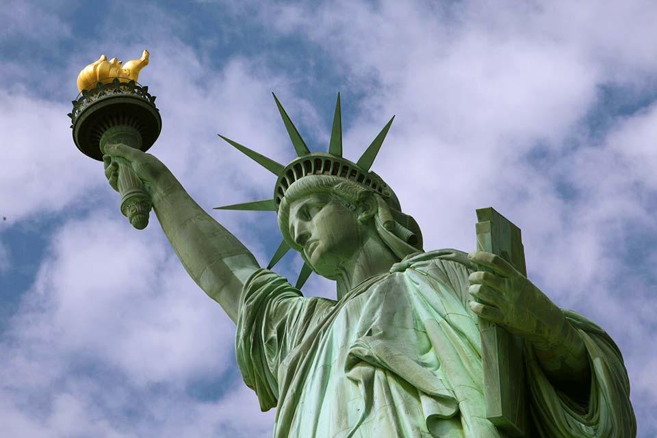 Acquista uno dei voli Napoli New York e visita la statua della libertà