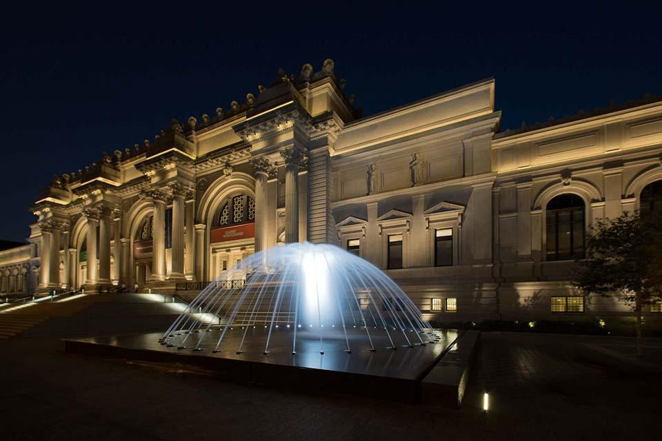 Acquista uno dei voli Napoli New York e visita il Metropolitan Museum of Art (MET)