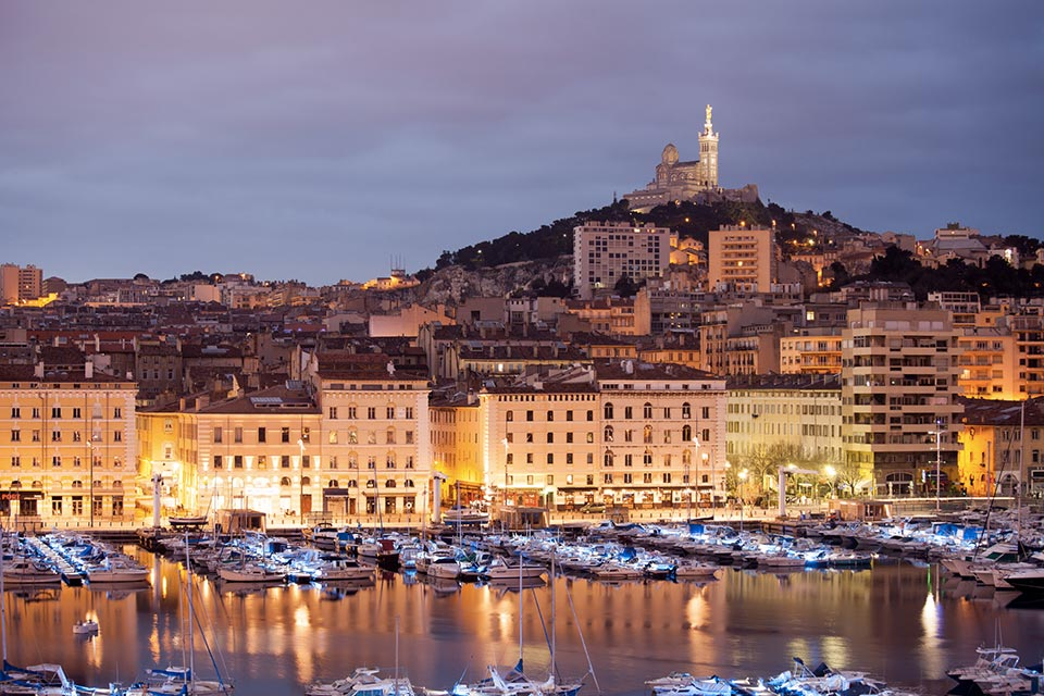 acquista uno dei voli Napoli Marsiglia dall'aeroporto di napoli