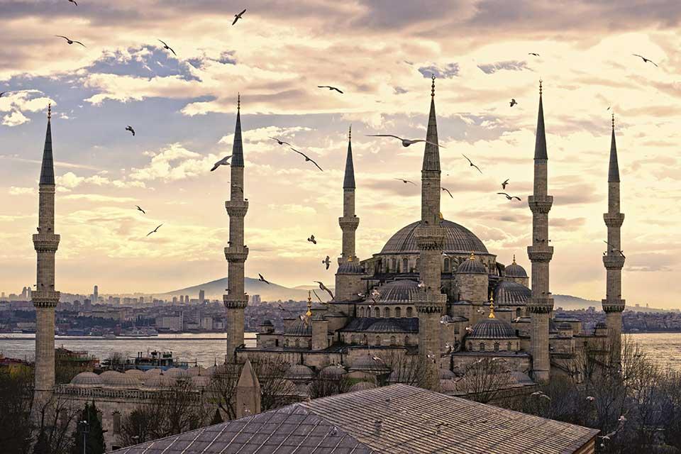 acquista uno dei voli napoli istanbul