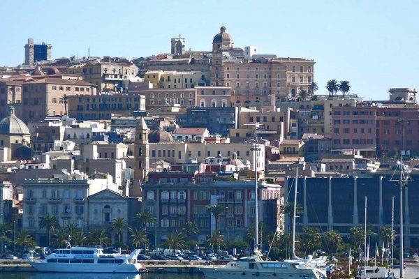 acquista uno dei voli Napoli Cagliari dall'aeroporto di napoli