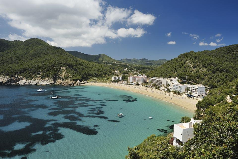 acquista uno dei voli Napoli Ibiza dall'aeroporto di napoli